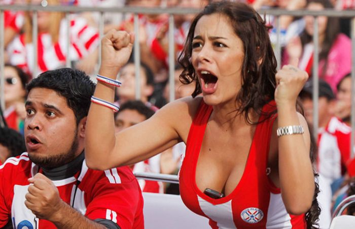 Hot-world-cup-fans-2014-10032
